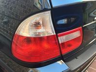 ★ BMW 318i テールランプ交換 ★